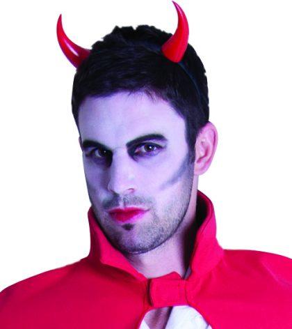 Devil horns