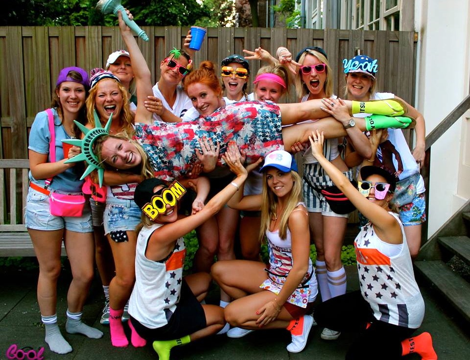 Girls About Town 6 Steps To A Hell Raiser Hen Party Creative